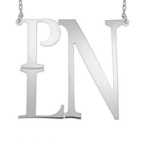 Collana con Quadrato Decorato e Monogramma